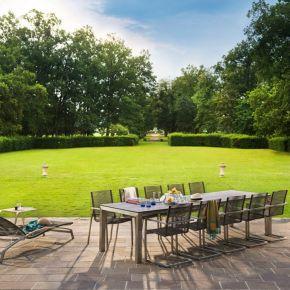 Diamond Garden Atlanta Swingstuhl Mocca, Atlanta Liege und Venedig Beistelltisch Gartenmöbelset mit Palermo Ausziehtisch 210/270/330×100 cm