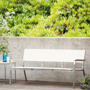 Jan Kurtz 2er Lounge-Bank LUX XL, Edelstahlgestell mit Teakarmlehnen und Batyline®-Bezug in weiß