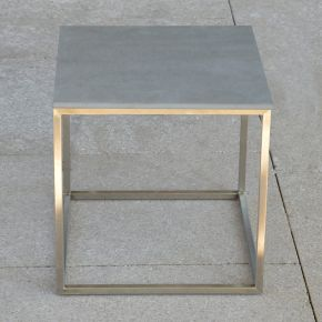 Jan Kurtz Beistelltisch PINO, Edelstahlgestell geschliffen mit Keramik-Tischplatte grau, 40 x 40 cm