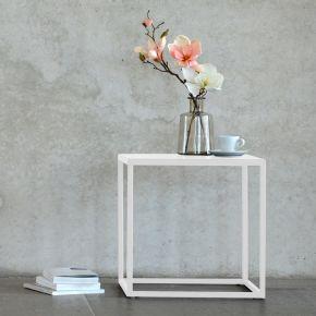 Jan Kurtz Beistelltisch PIO, Beine Stahlrohr, Platte Blech weiß pulverbeschichtet, 40 x 40 x 40 cm