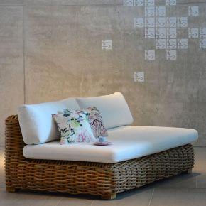 Jan Kurtz 2-Sitzer Sofa SPRINGFIELD, Gestell: Aluminium, Kunstsstoffgeflecht: sand, Sitz-/Rückenkissen weiß