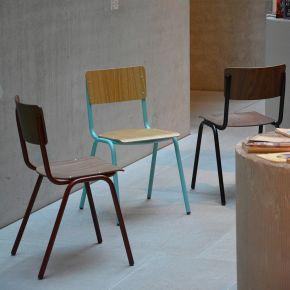 Jan Kurtz Stuhl ZERO, Gestell: Stahlrohr pulverbeschichtet babyblau, Sitzschale: Echtholzfurnier Eiche