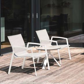 Stern Set NEW TOP 2x Loungesessel Alu weiß mit Bezug silber und Alu-Armlehnen weiß mit FREDDIE Beistelltisch Alu weiß und Silverstar 2.0 Zement hell