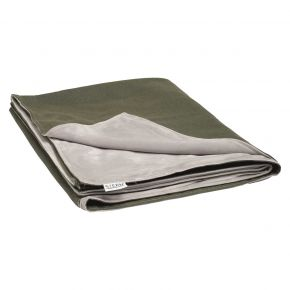 Stern Decke ca. 158x200 cm, 100% Polyacryl dunkelgrün/Rückseite 100% Polyester hellgrau